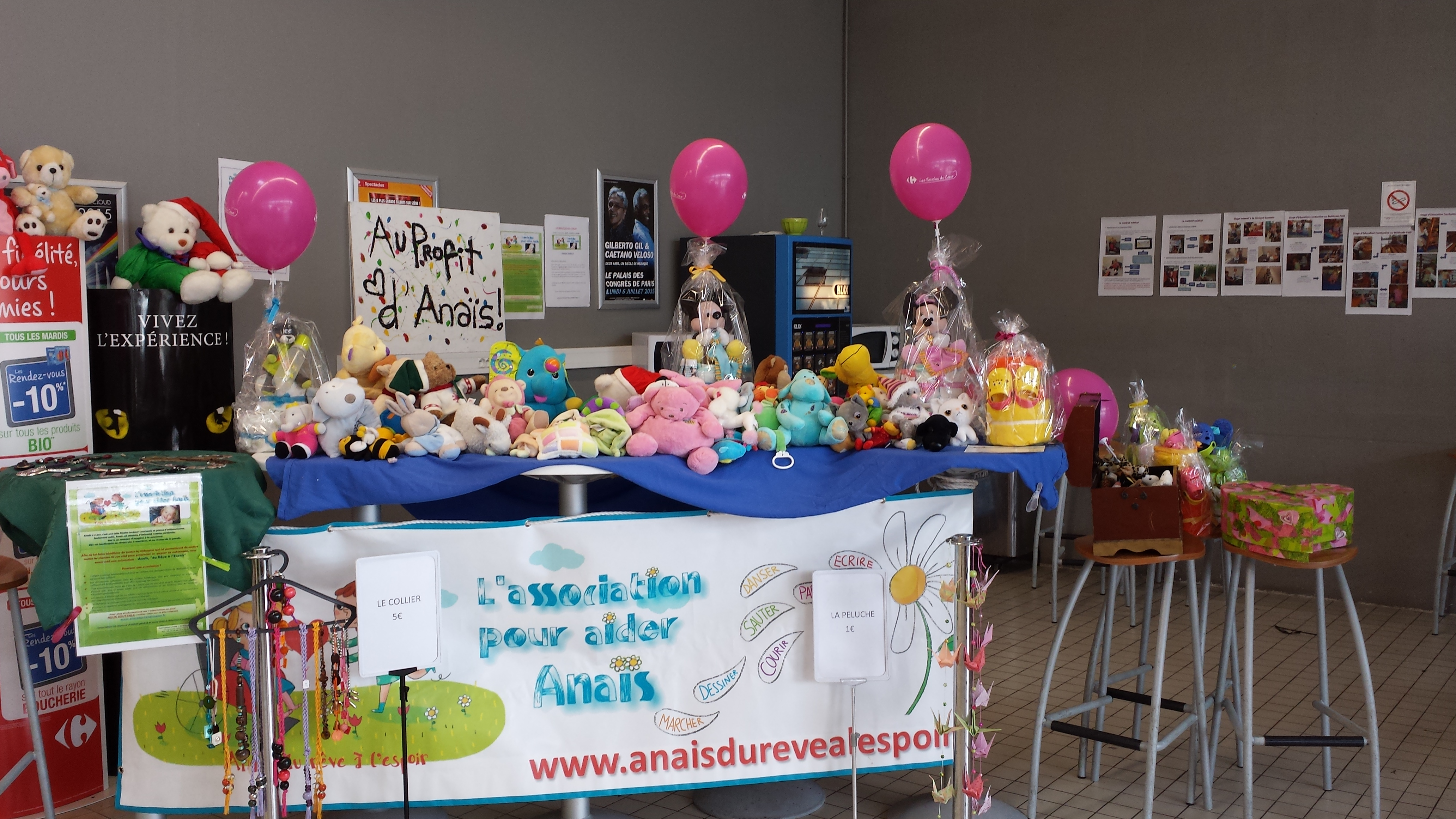 stand peluche Carrefour Market